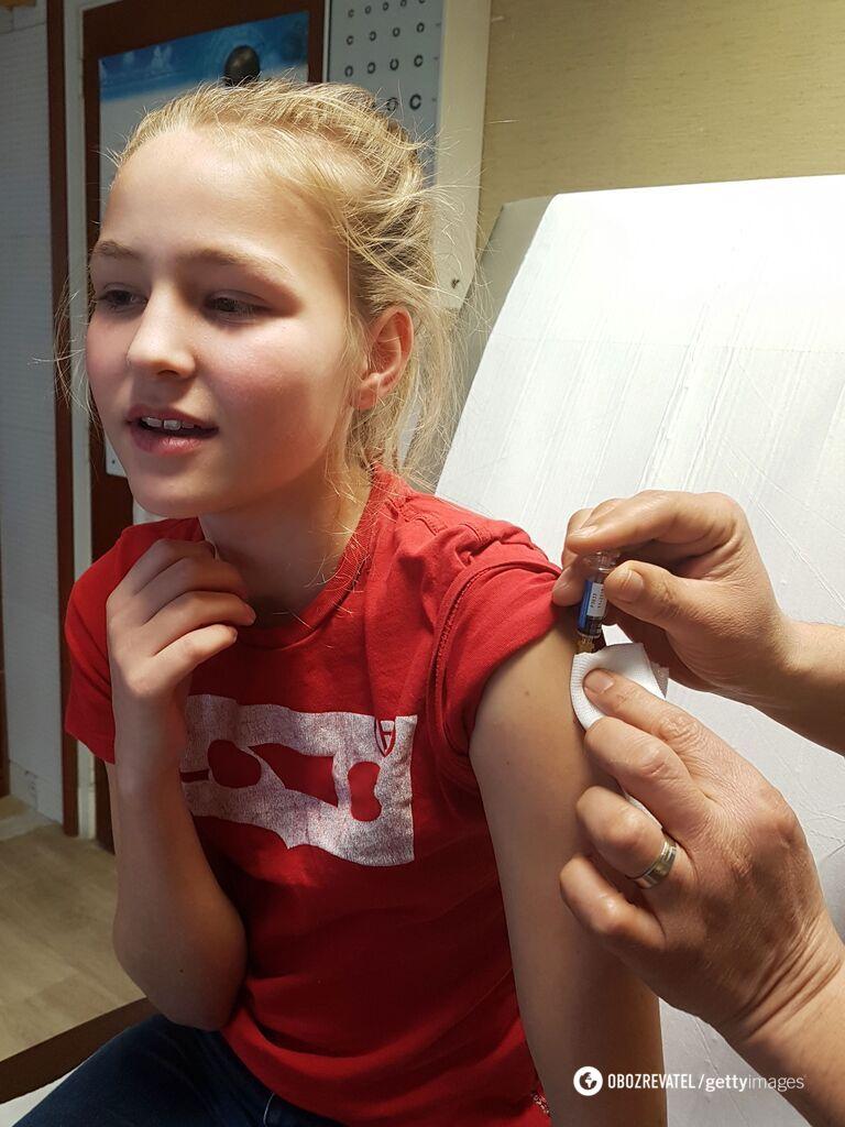 Врачи считают, что вакцинация эффективно защищает нас от инфекций