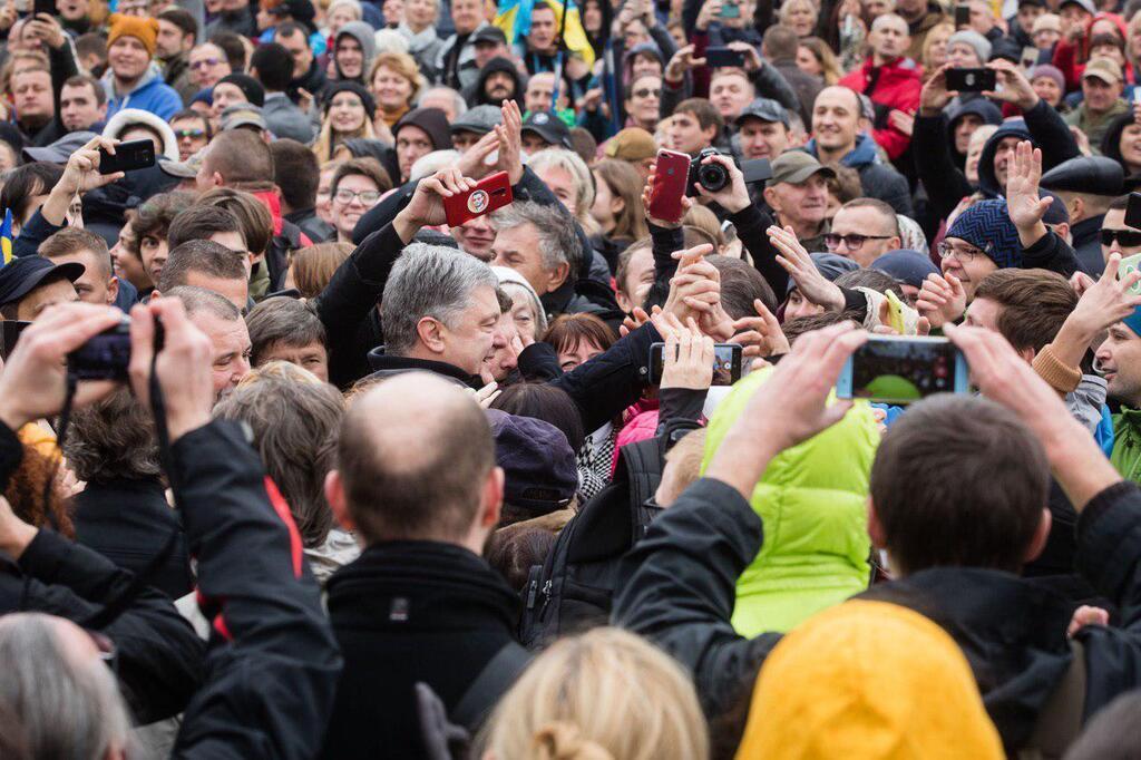 Петро Порошенко на Майдані Telegram-канал Петра Порошенка