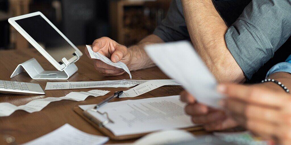 В Раде могут разрешить закрывать ФЛП без штрафов за неуплату ЕСВ. Но всего на 1 месяц
