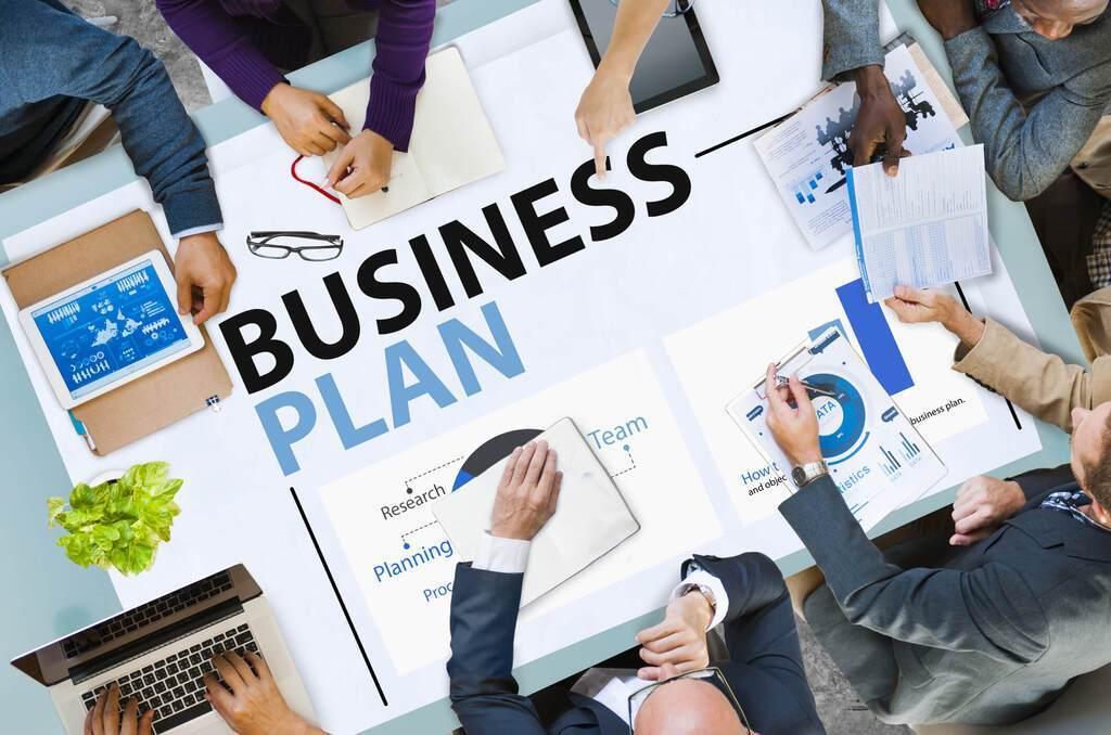 """На думку експерта, бізнес в Україні працює """"не завдяки, а всупереч"""""""