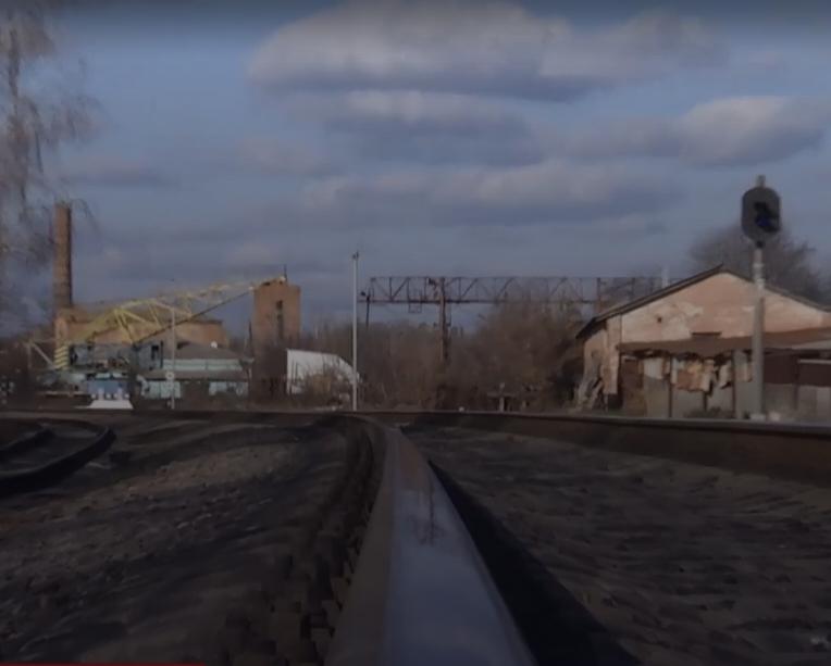 На железнодорожных путях нашли тело мальчика