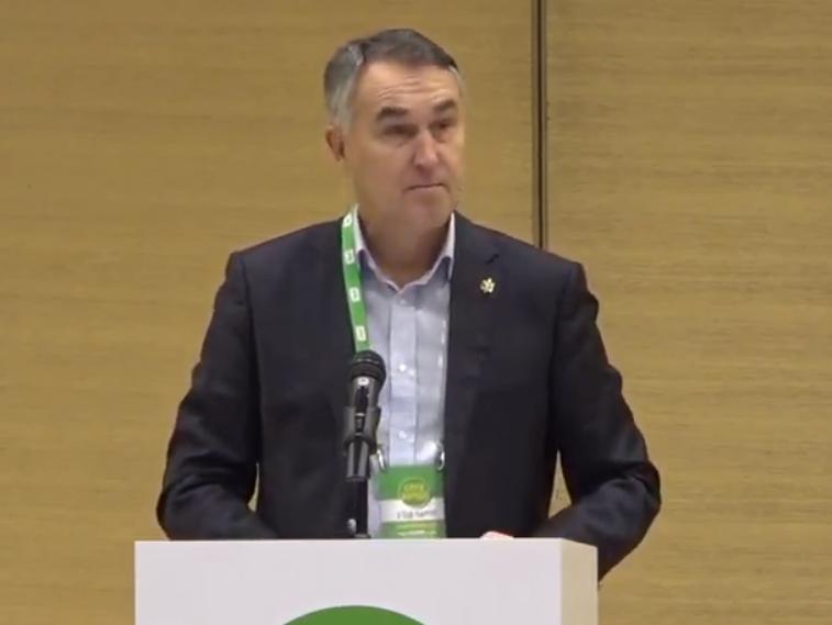 Петрас Ауштревичюс выступил на съезде