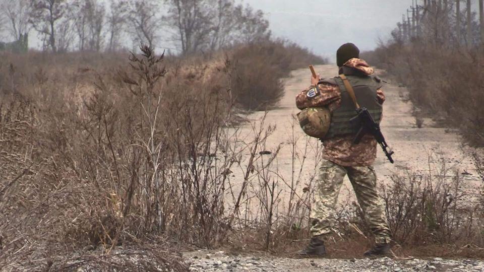 """""""Будут отступать, пока смогут"""": ветеран АТО об отводе войск"""