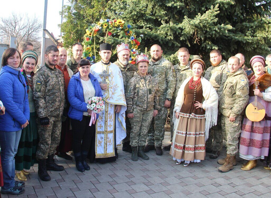 Весілля воїнів ЗСУ на передовій