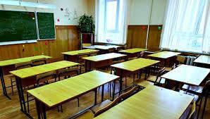 В школах Донецка учителей заставляют получать российские паспорта
