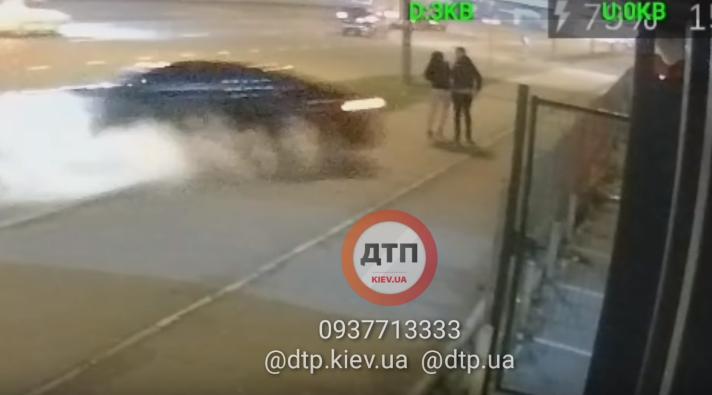 Момент зіткнення Lexus із пішоходами