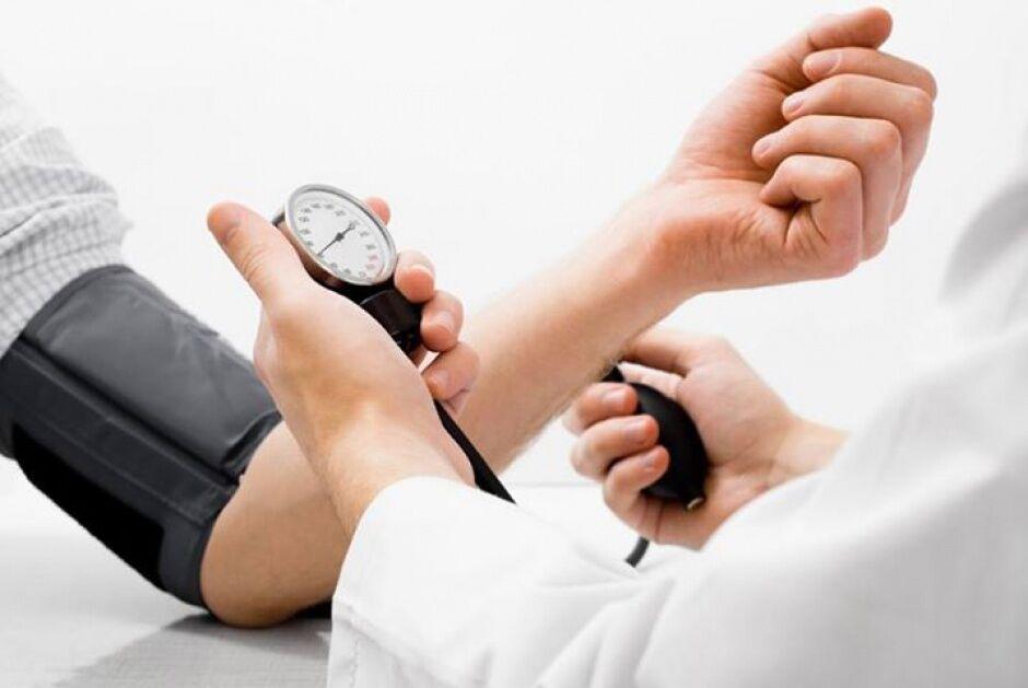 Періодичний контроль тиску важливий для усунення ризиків розвитку важких станів