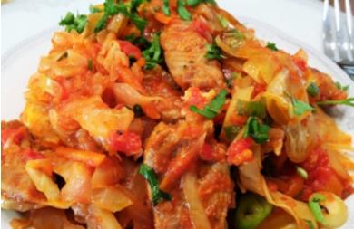 Рецепт смачного м'ясного блюда з капустою