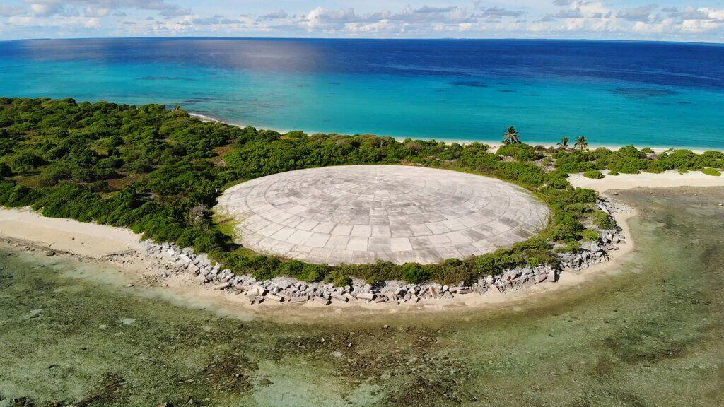 Купол ядерного могильника на острові Руніт