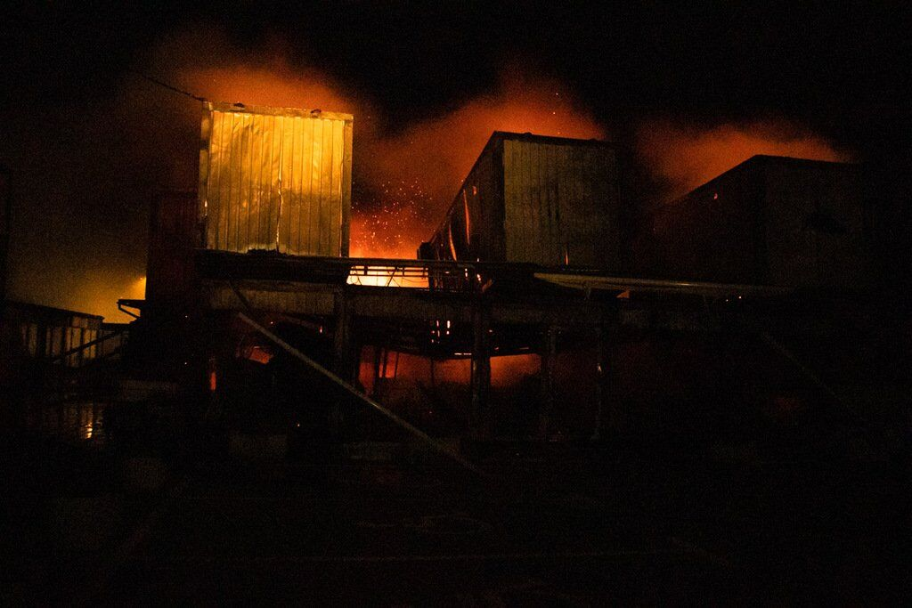 Один из пожаров привел к масштабным последствиям