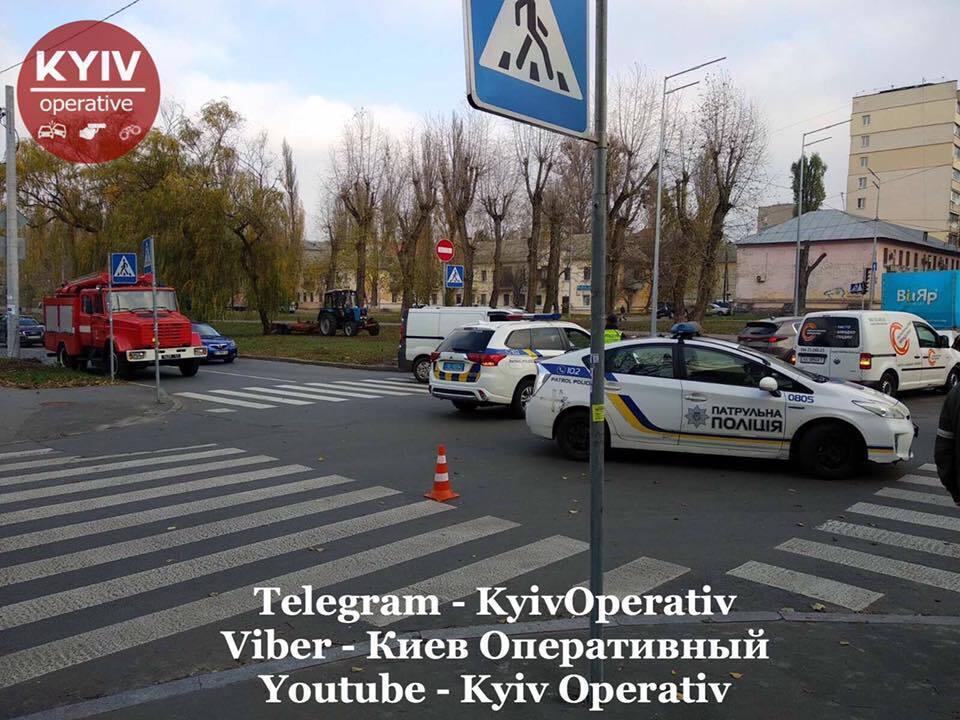 В Святошинском районе Киева, на перекрестке улицы Депутатская и бульвара Академика Вернадского, 14 ноября произошло жесткое ДТП