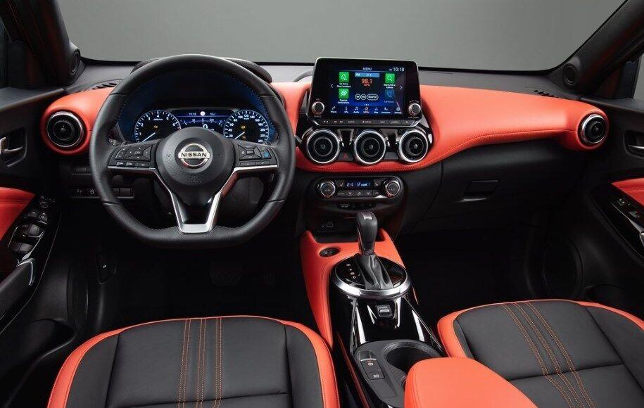 Новый Nissan Juke 2020 получил похожую переднюю панель
