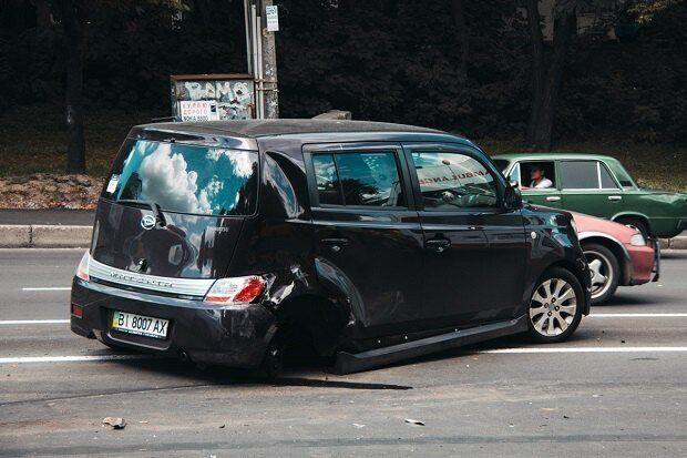 ДТП на ул. Елены Телиги летом 2018 года с участием Надежды Рагозиной. Было разбито три авто