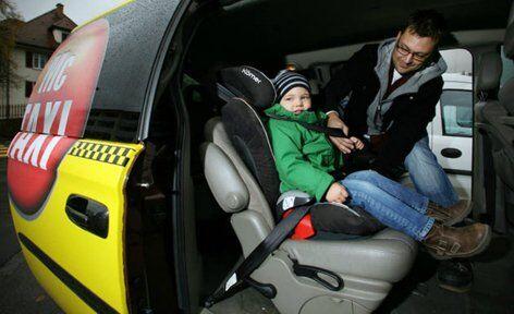 Службы такси предусматривают возможности установки автокресел