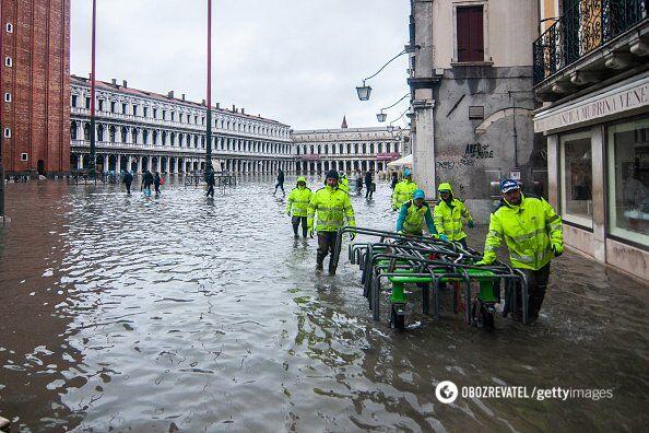 Венецию накрыло рекордное наводнение