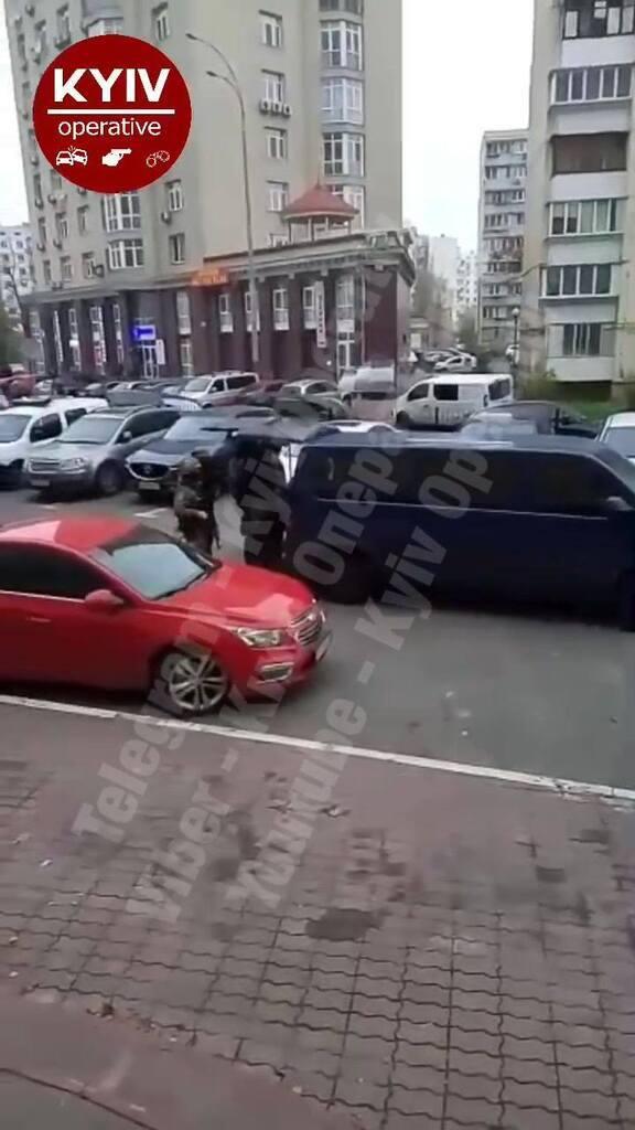 Поліція залучила спецпризначенців