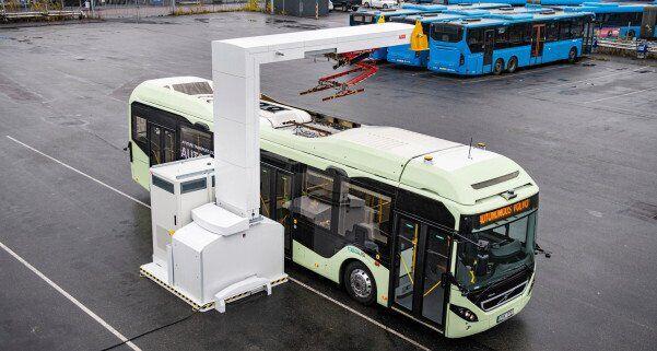 Процес зарядки електробуса Volvo
