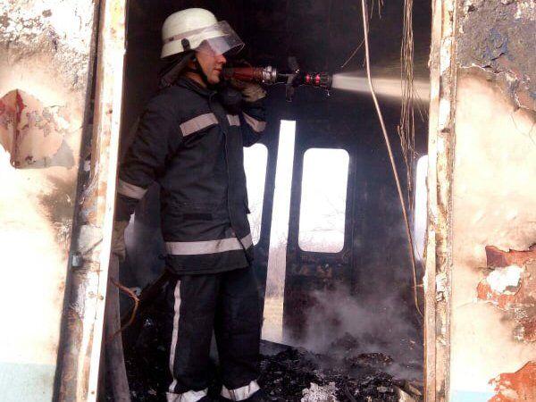 Поезд на Николаевщине - пожар был ликвидирован