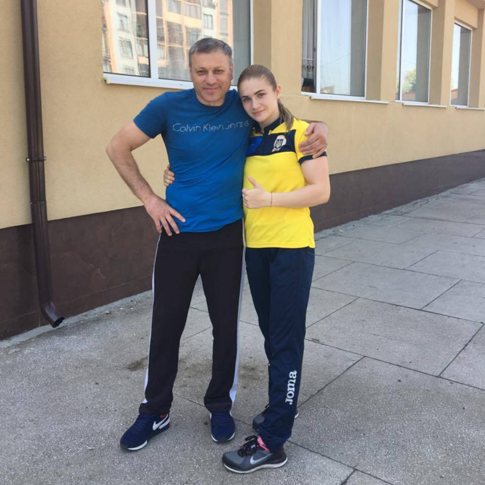 Аміна із тренером Віктором Фесечком