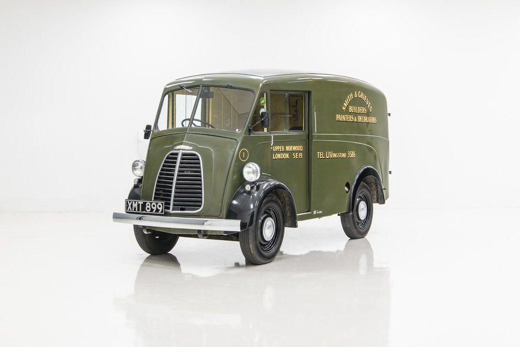Оригінальний Morris Commercial J-Type випускався з 1949 по 1961 рік