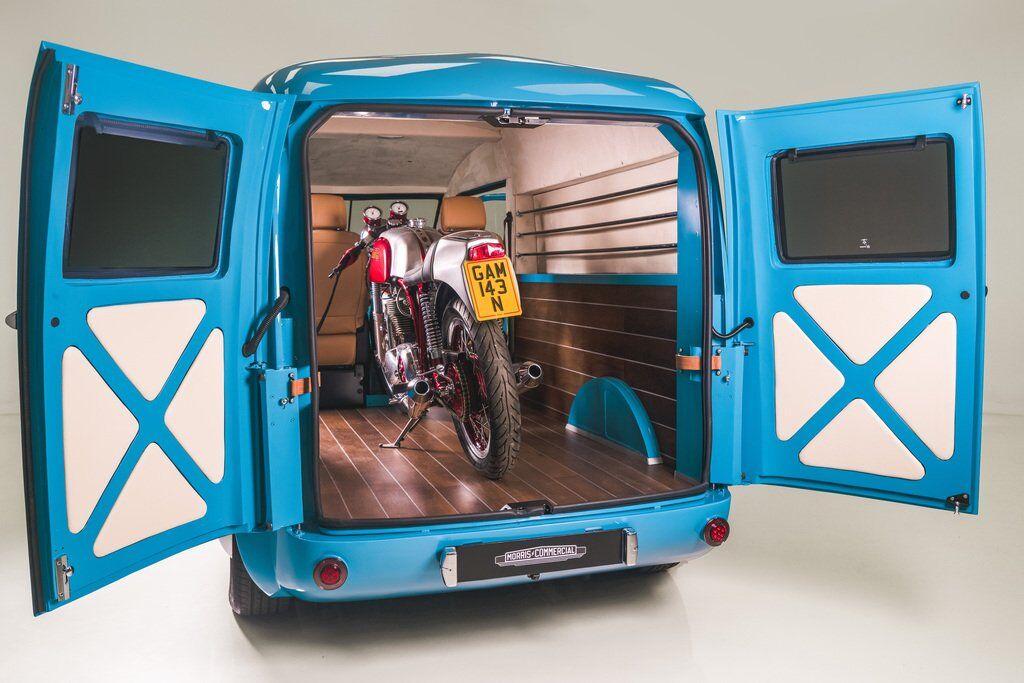 Morris JE має місткий вантажний відсік об'ємом 5,5 куб. м