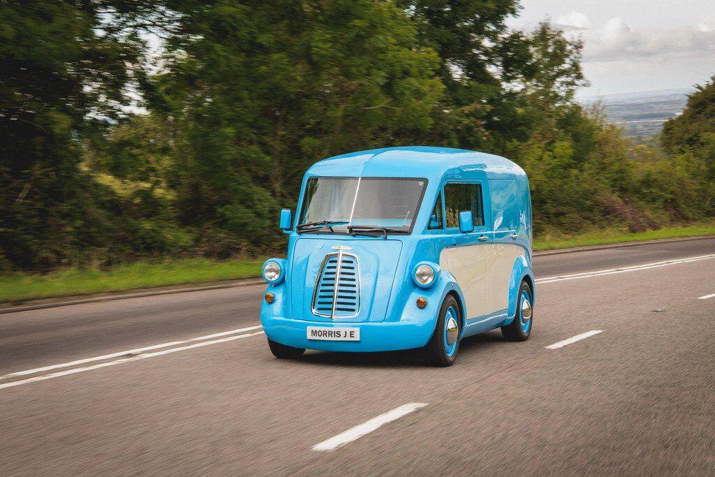 У Великобританії представили легкий електричний фургон Morris JE, створений за мотивами Morris J-Type 50-х років