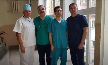Бригада хірургів-урологів, що оперує дітей-гермафродитів