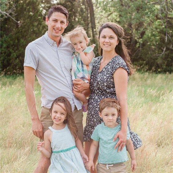 Томас Стенли с семьей