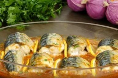 Рецепт неймовірно смачної скумбрії в томатному соусі