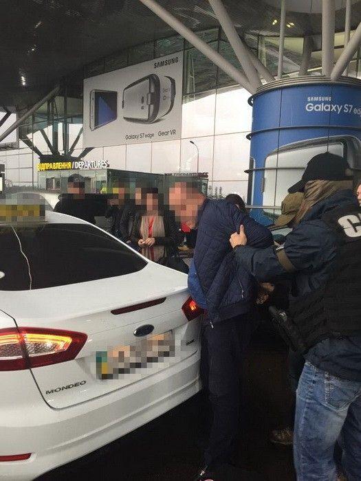 Во время задержания подозреваемых в незаконных операциях