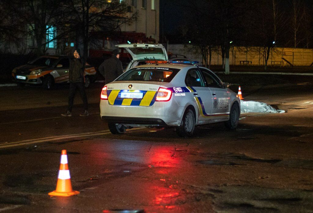 В Деснянском районе Киева, на улице Пуховская, 7, произошло смертельное ДТП с участием пешехода