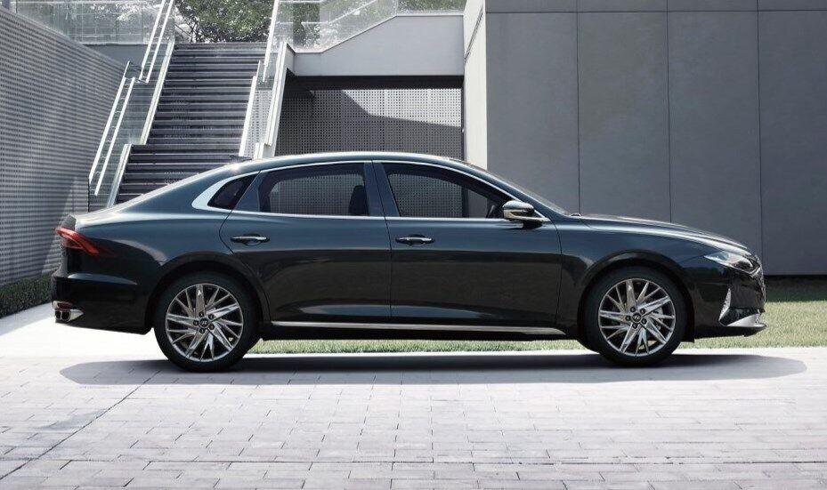 Силуэт у Hyundai Grandeur довольно элегантный