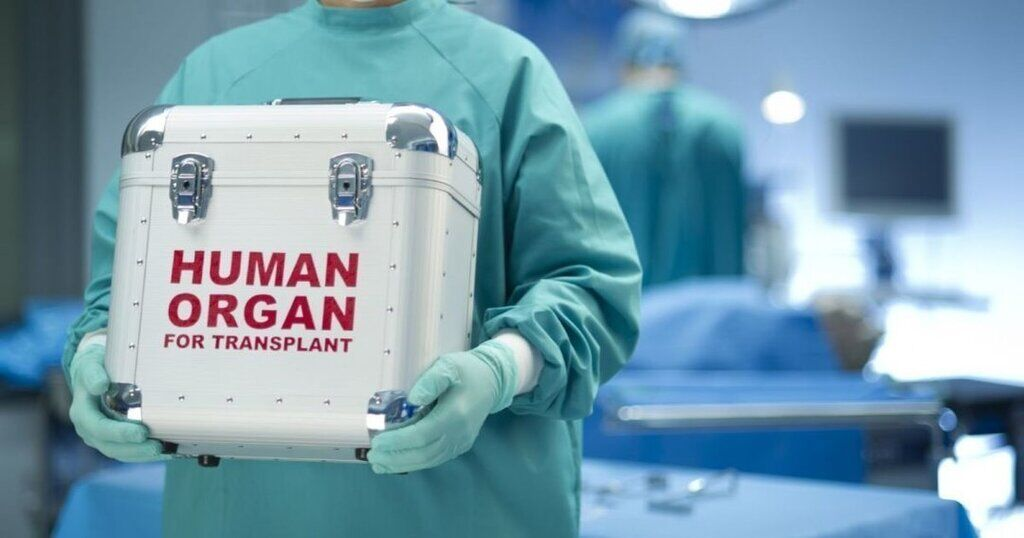Українські лікарі можуть і готові проводити операції з пересадки органів
