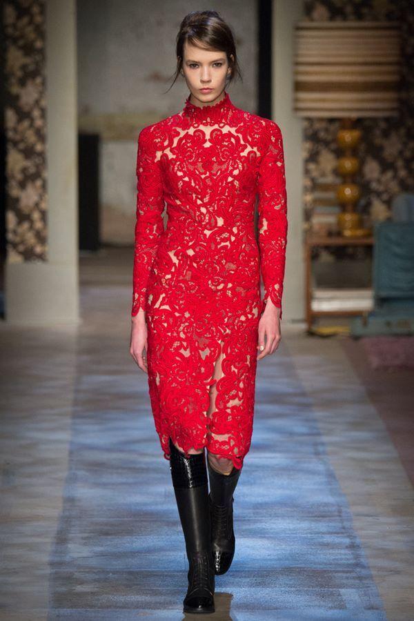 Уже не модно! Топ-5 платьев, которые нужно выбросить из гардероба