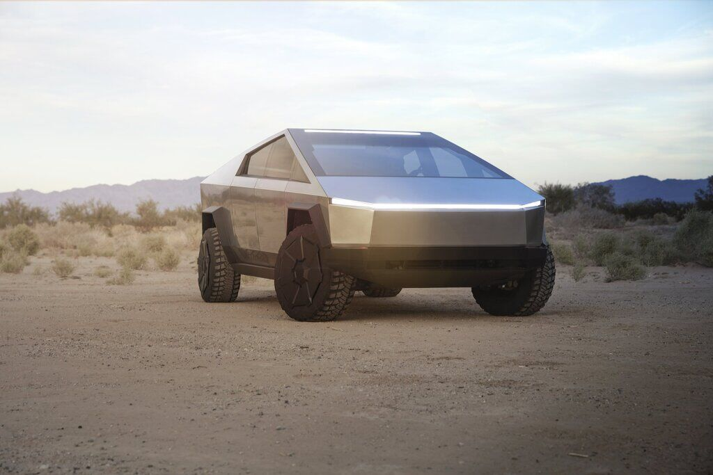 Электрический пикап Tesla Cyber Truck