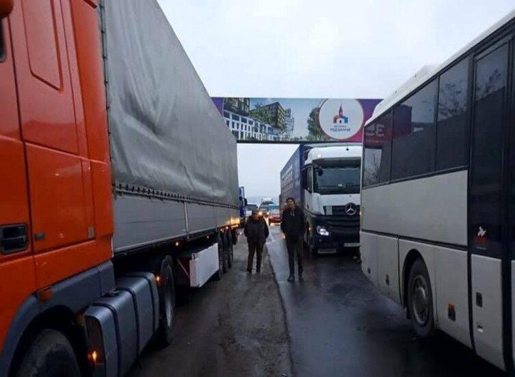 Львовская область замерла у пробках
