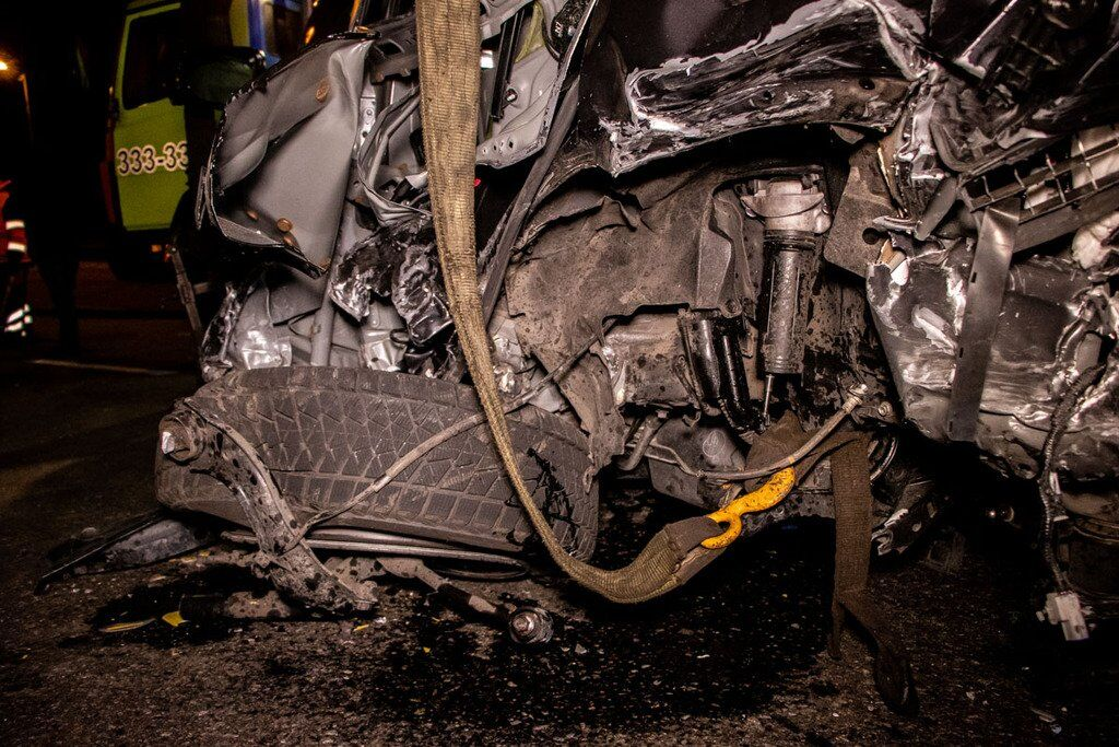 У Києві на Набережному шосе 25 листопада тарпилася масштабна ДТП за участю чотирьох авто