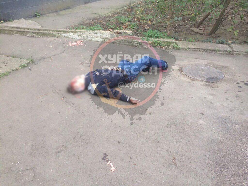 В Одесі чоловік скоїв страшне самогубство