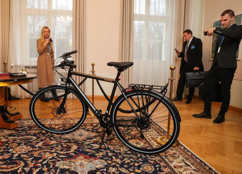 Велосипед, який отримав у подарунок президент України