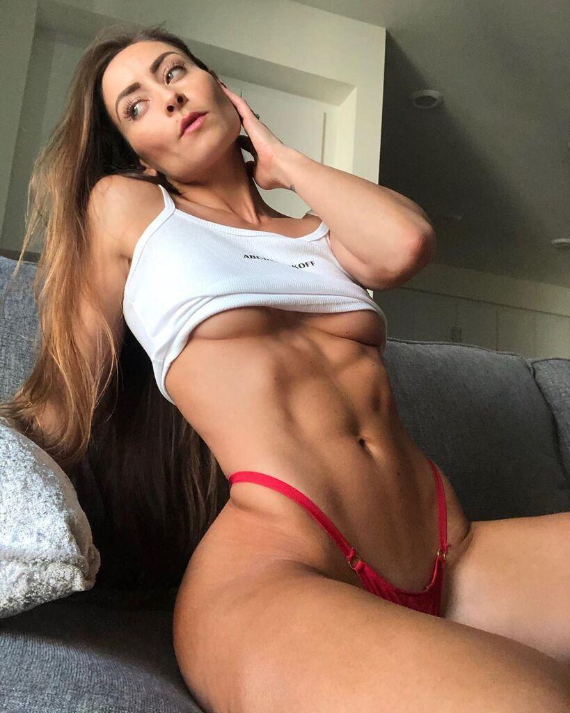 Стефани Мари