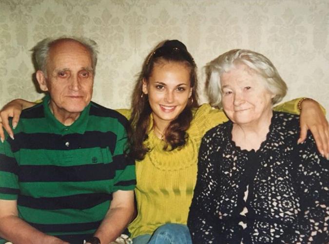 Анна Горшкова в юности