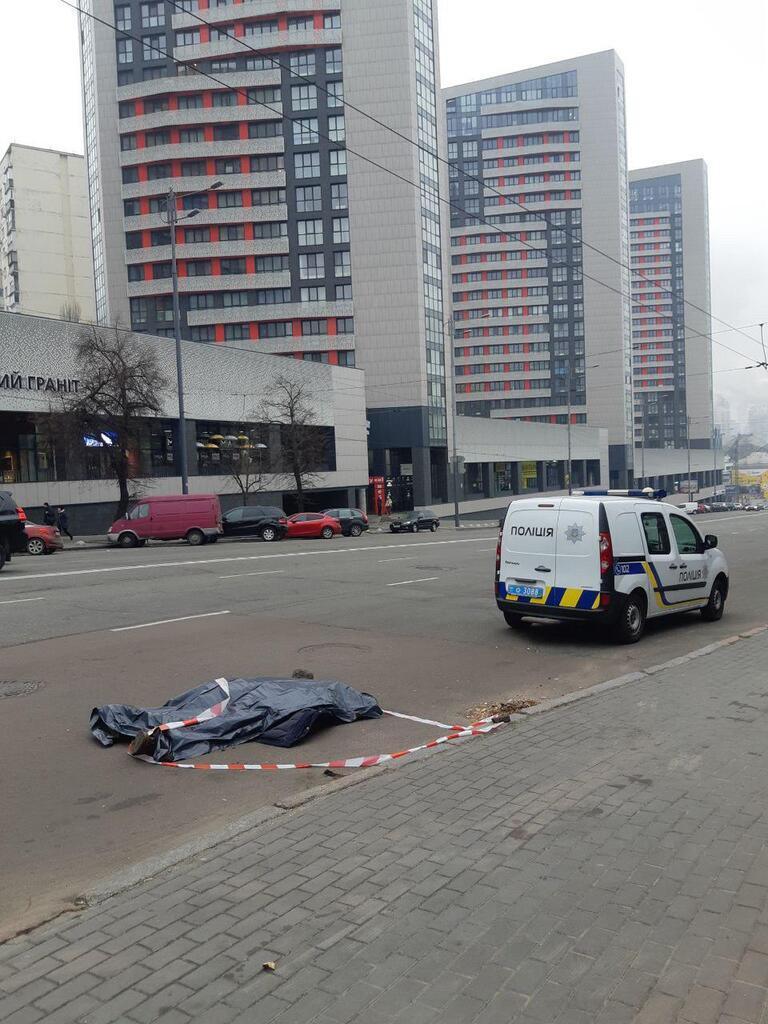 У Солом'янському районі Києва, на вулиці Митрополита Василя Липківського, 27 листопада виявили труп людини