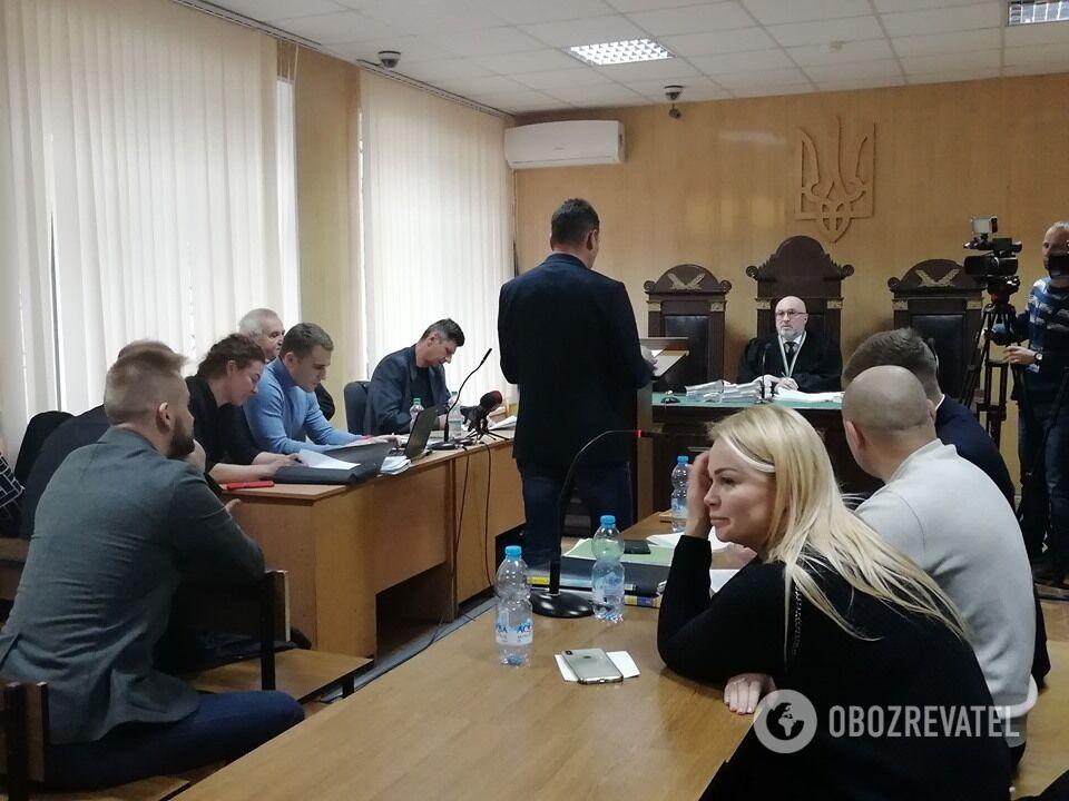 Наталія Саєнко (крайня праворуч) на судовому засіданні 27 листопада