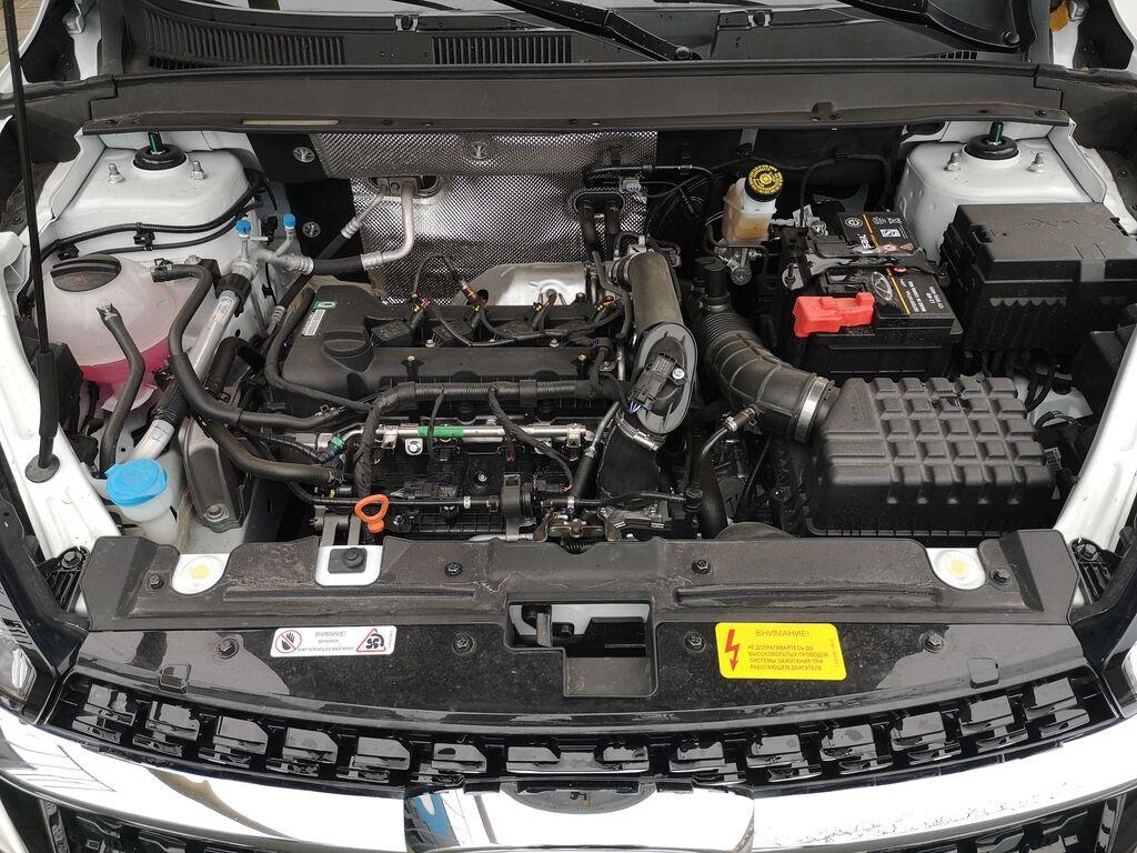 Под капотом Chery Tiggo 8 – 1,5-литровій бензиновій турбомотор мощностью 147 л.с.