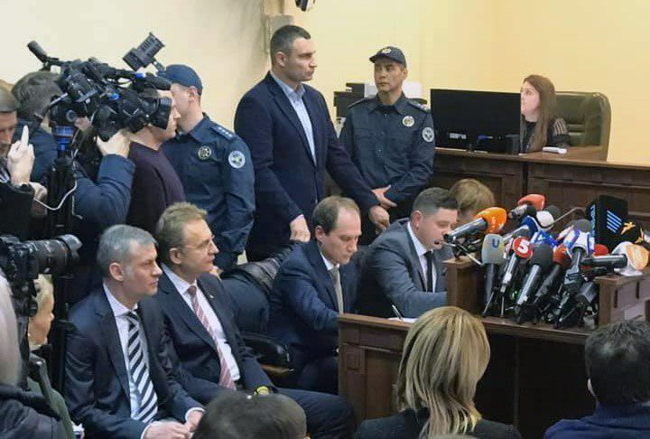 Кличко прийшов на суд над Садовим