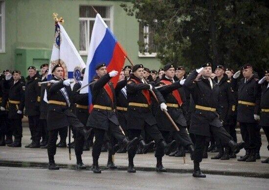 Свято окупантів на території окремої гвардійської ордена Жукова бригади морської піхоти Чорноморського флоту РФ (Севастополь)