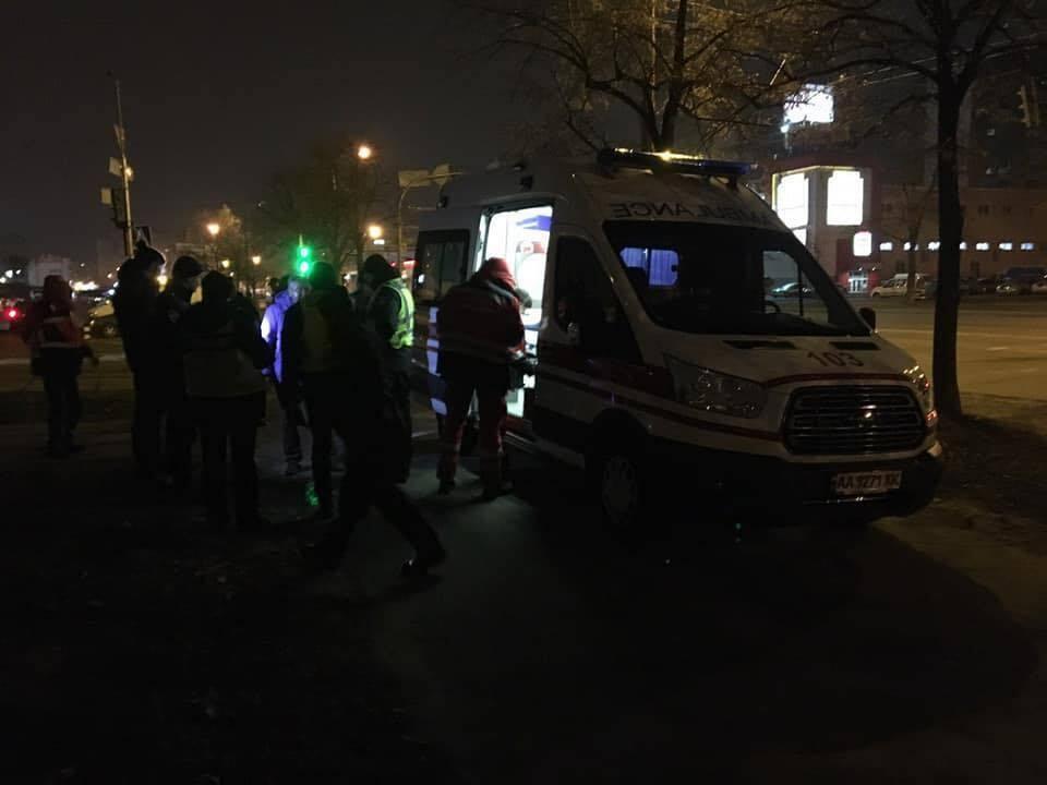У Києві біля ТЦ Фестивальний 27 листопада конфлікт між водієм та пішоходом завершився стріляниною