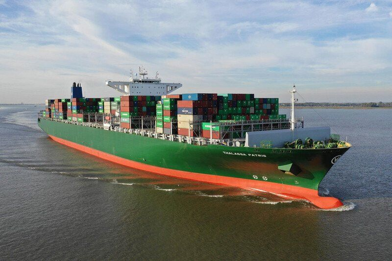 З контейнеровоза в Індійському океані зник українець