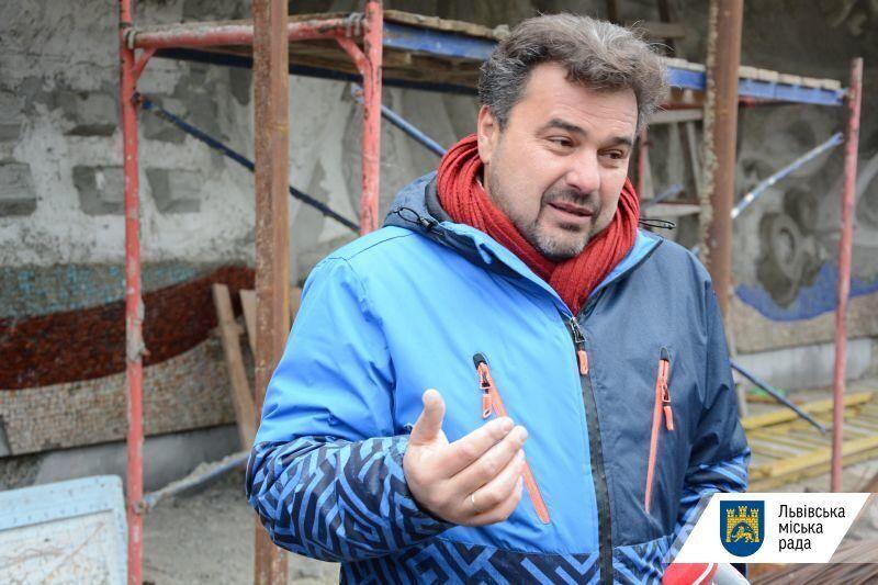 львівський художник, син автора мозаїки – Остап Патик