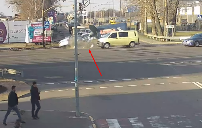 Момент аварии с Уполномоченным президента по правам ребенка Николаем Кулебой 24 ноября на трассе Киев-Одесса